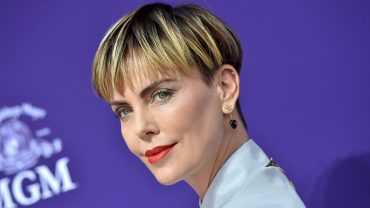 Charlize Theron's Bowl Cut Is The New Hair Trend We're Coveting This Season