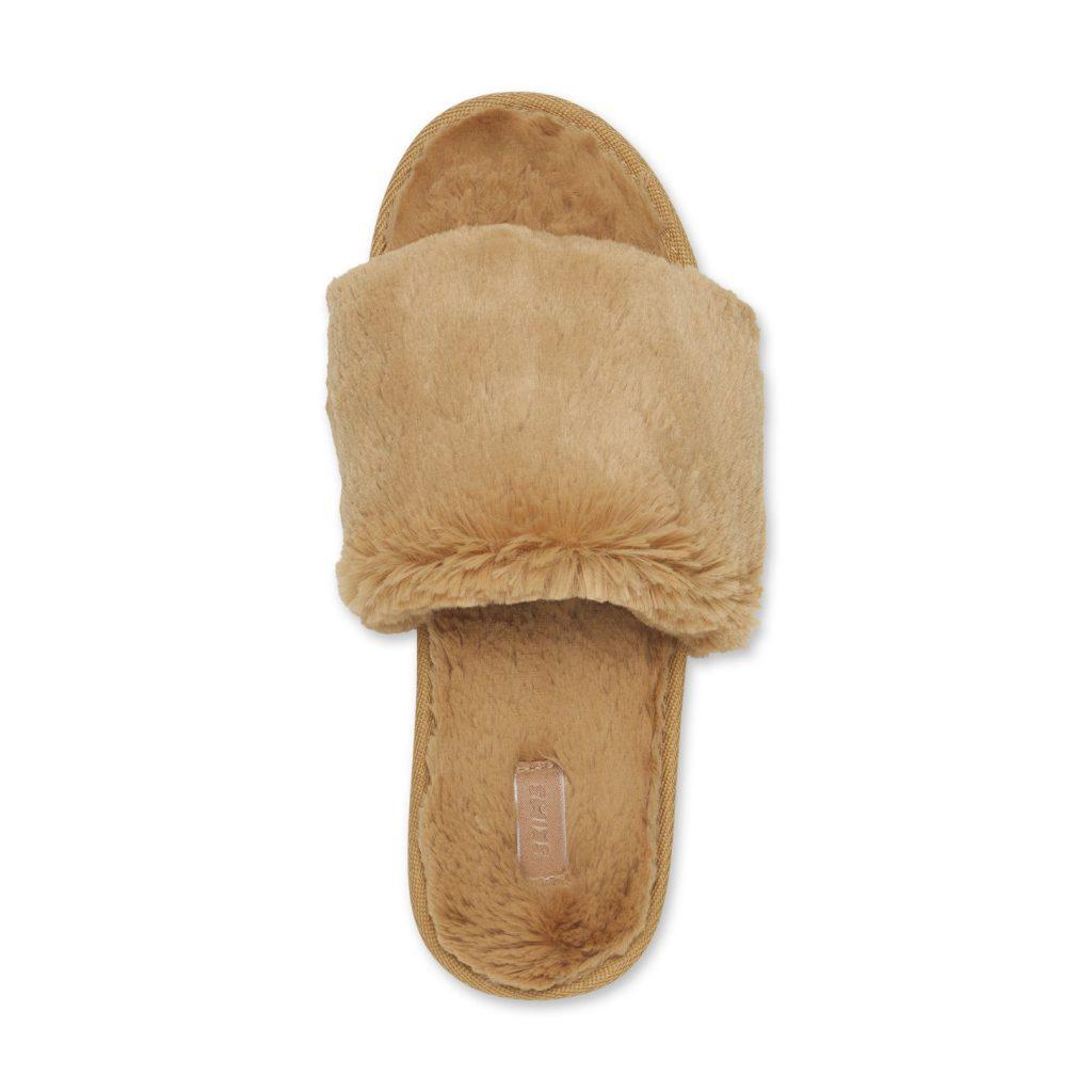 Skims Fluffy Slippers