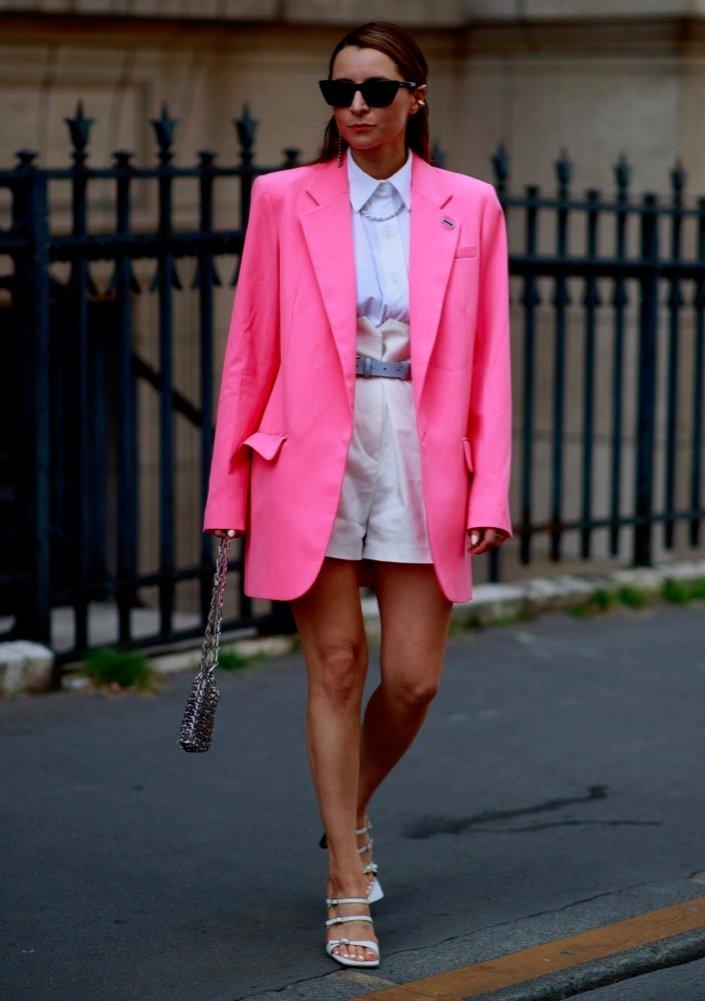 Street looks at paris fall 22 haute courture fashion week